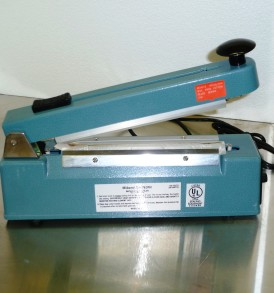 impulse sealer with cutter